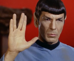 vida-longa-e-prospera-sinal-maos-mr-spock-star-trek-vulcano-saudacao